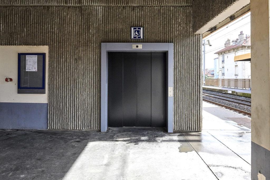 Ascenseur-anti-vandale-gare-min