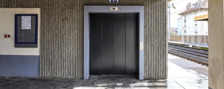 porte automatique pour ascenseur