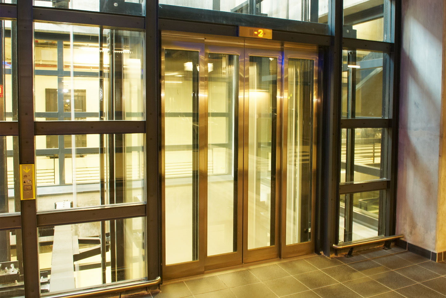 creation-portes-ascenseur-saint-exupery