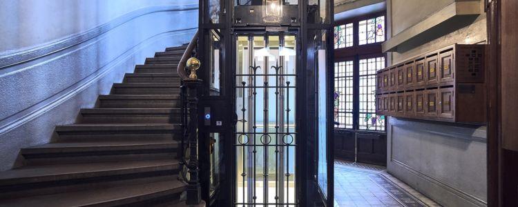 réparation de portes d'ascenseur