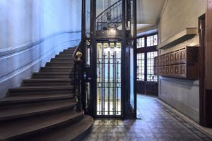 Plycab pour ascenseur vitré