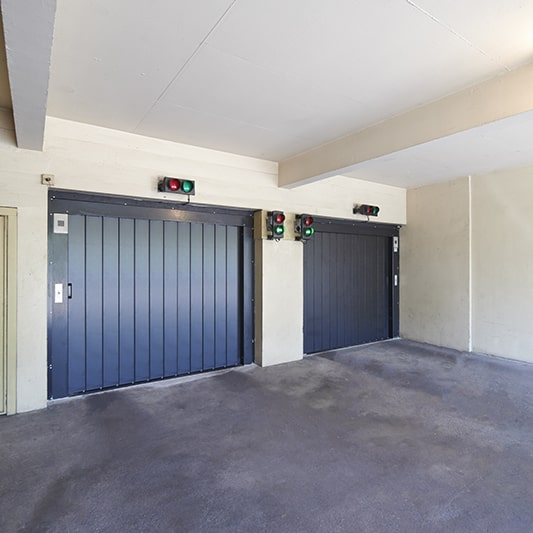 porte articulée coulissante pour ascenseur
