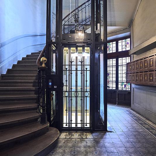 porte de cabine slycma pour la modernisation ou la création d'ascenseurs
